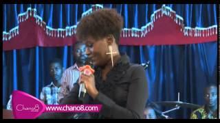 getlinkyoutube.com-Juliana Kanyomozi performs at the celebrity service