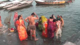 getlinkyoutube.com-Varanasi baths