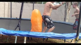 getlinkyoutube.com-Giant morphing water balloon! (hilairious...lol) ;)