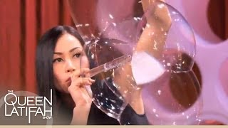 getlinkyoutube.com-Bubble Artist Melody Yang Blows Your Mind With Her Amazing Artistry on The Queen Latifah Show