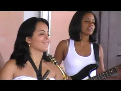 Musica cubana salsa.Musica famosa.Moraima y su Sandunga.Mujeres cubanas cantando son cubano.Cuba.