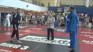 getlinkyoutube.com-Japanese Jujutsu vs Brazilian Jiu Jitsu(NAGA Championships)
