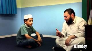 ISLAMISMO - Menino se converte ao Islam após autorização da mãe