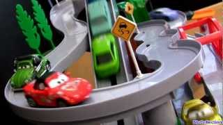 getlinkyoutube.com-Tomica World Mountain Drive Playset from Takara Tomy Toys using Disney Pixar Mattel Cars2
