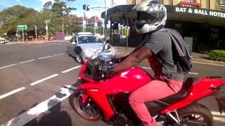 getlinkyoutube.com-Ninja 300 vs  Honda CBR500R
