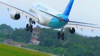 getlinkyoutube.com-Perbandingan Cara Landing Pesawat Citilink vs Garuda Indonesia (Video Pesawat Terbang Indonesia)