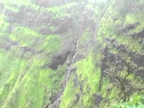 WATCH THE AMAZING HONYMOON Point - Matheran (Maharashtra)