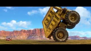 getlinkyoutube.com-cars2 mcqueen, tow mater and colossus XXL