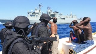 INDIAN NAVY Captures Somali Pirates