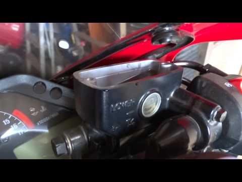 Заменил тормозную жидкость Honda cbr600rr
