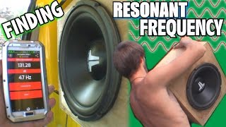 "getlinkyoutube.com-Finding Resonant Frequency w/ Sealed Subwoofer Box & BASS SWEEP | 12"" JL Audio W0 DIY Test Enclosure"