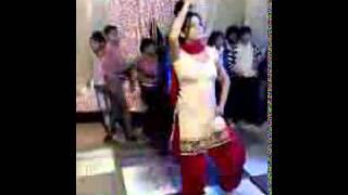 getlinkyoutube.com-Hot haryanvi wedding dance video98