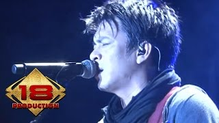 getlinkyoutube.com-NOAH - Menunggumu (Live Konser Kediri Februari 2013)
