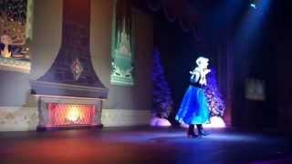 getlinkyoutube.com-Queen Elsa, Princess Anna and Kristoff : Hong Kong DisneyLand.byHappiness International Nursery