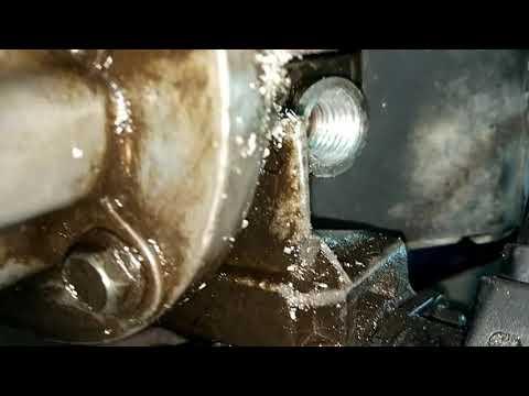 Где находится датчик давления масла у VAZ 2199