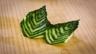getlinkyoutube.com-Japanese Cucumber Leaf Decoration Sushi Garnish
