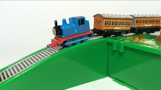 getlinkyoutube.com-Thomas and Friends Toy Trains James, Percy, Edward, Annie, Clarabel, Egg Surprise