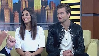 getlinkyoutube.com-Real-life Couple Victoria Justice and Pierson Fode Star in Modern Love Triangle