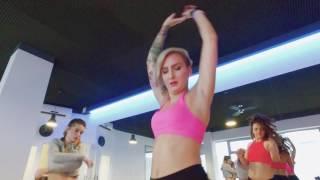 "getlinkyoutube.com-Sean Paul ft. Keshia Cole ""Give It Up To Me"" choreography Twerkout Crew"