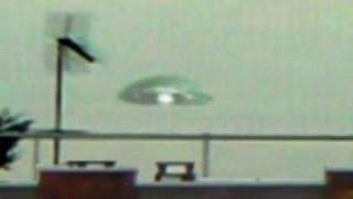 getlinkyoutube.com-Massive UFO Flying Saucer Lands on Earth, Alien COVERUP? Dec 2013