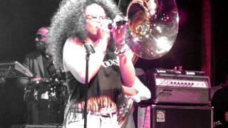 The Roots & Elle Varner's Whitney Houston Tribute