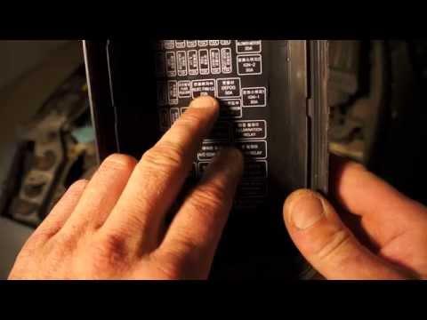 Где находится предохранитель мотора печки у БМВ 7 Седан
