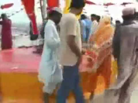 Laanati Shia and Brelvis performing Hujj on Lal Shahbaz Qalandar Mazar Part 2
