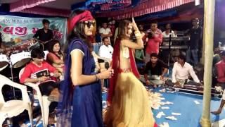 Manisha Barot live તારા જીઓ નું નેટ મને થાતું નથી સેટ .. મારુ ગામડામાં ઘર ત્યાં તો આવે નહીં નેટ ..