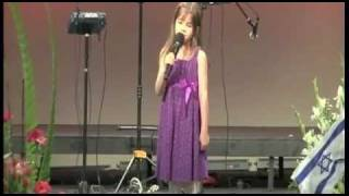 getlinkyoutube.com-7 Year-Old Sings at Grandfather's Funeral - Wise Beyond Her Years