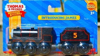 getlinkyoutube.com-2015 Thomas Wooden Railway INTRODUCING JAMES Toy Train Review By Mattel Fisher Price