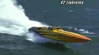 getlinkyoutube.com-Powerboat tests the Fountain 42 Lightning