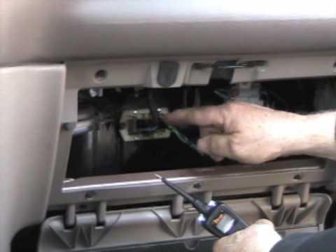 Расположение воздушного фильтра у Chrysler Праулер