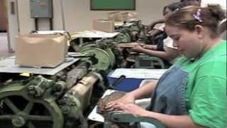 getlinkyoutube.com-شاهد كيف يصنع السيجار الكوبي