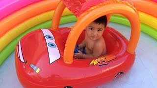 getlinkyoutube.com-Thomas n Friends Toy Trains Disney Cars McQueen in Swimming Pool Percy Color Changer