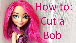 getlinkyoutube.com-Doll Hair Tutorial: Cut a Bob hairstyle on Ever After High dolls by EahBoy