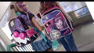 getlinkyoutube.com-Comercial Monster High Sestini 2015