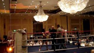 getlinkyoutube.com-YOUNG FEMALE BOXER KNOCKS OUT A MALE PROFESSIONAL
