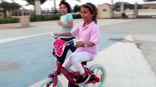 getlinkyoutube.com-تعلمت كيف تركب الدراجة 😍