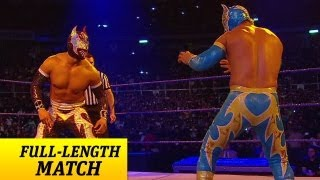 getlinkyoutube.com-FULL-LENGTH MATCH - SmackDown - Sin Cara vs. Sin Cara - Mask vs. Mask Match