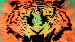 getlinkyoutube.com-GLOW IN THE DARK SPRAY PAINT (TIGER)