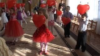 """getlinkyoutube.com-""""Мама залотая"""" танец в детском саду на вход"""
