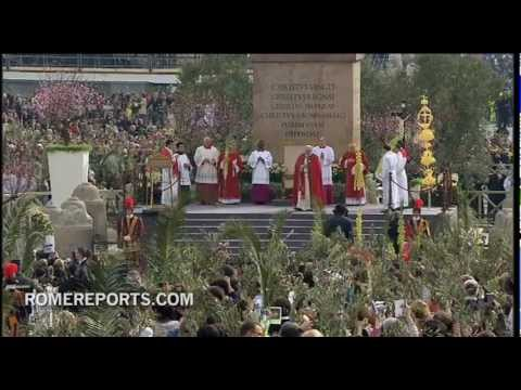 Pope Francis celebrates first Palm Sunday Mass of his Pontificate