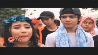 getlinkyoutube.com-Kemenangan Prilly dan Aliando di Inbox Awards - Kiss Pagi 28/09/2015