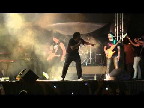 Thalles Roberto no Jesus Vida Verão de Itapetinga-Ba 2012 (p1)