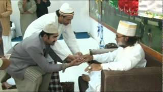 getlinkyoutube.com-Hazrat Khuwaja Sufi Azmat Ullah Shah Naqeebi in Sharjha 2012 (2 Of 4)