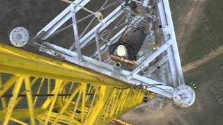 getlinkyoutube.com-Tower Work High Steel Dangerous Jobs 1000 Feet Television Broadcast