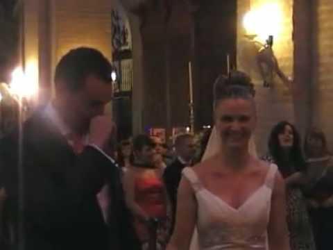 Novia sorprende a Novio en plena boda con la canción Quiéreme de Nuria Fergó-Con Subtítulos!