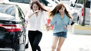 getlinkyoutube.com-f(x) Krystal and Victoria (KRYSTORIA) Moments