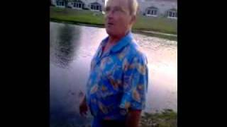 getlinkyoutube.com-Fight In Florida Old Guy Vs young Black Man