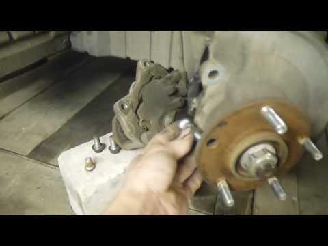 Замена шпильки колеса Mitsubishi Lancer 10